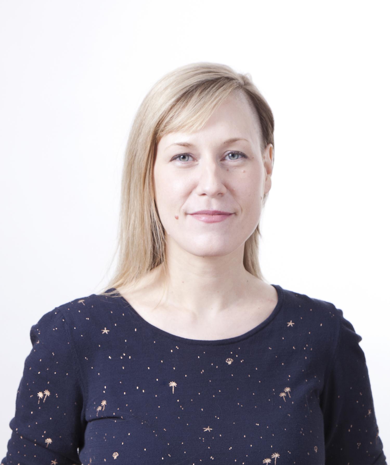 Alana Bartol Headshot